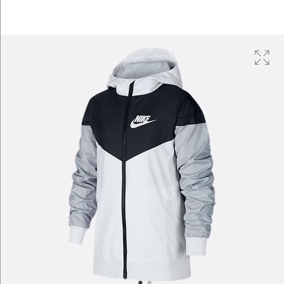low priced fde0e 8969e Boys Nike windbreaker jacket. M 5ae101b6a825a64b4ebb5b0d